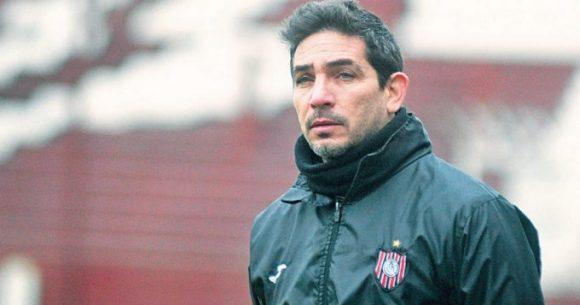O jovem treinador Walter Coyette, de 41 anos, foi o responsável pelo retorno do Chacarita Juniors à Primeira Divisão.