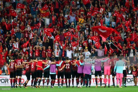 Encarar a Turquia no New Eskişehir Stadium, é uma tarefa bastante indigesta, tanto é que a líder Croácia foi derrtoada pelos turcos na rodada passada por 1 a 0.