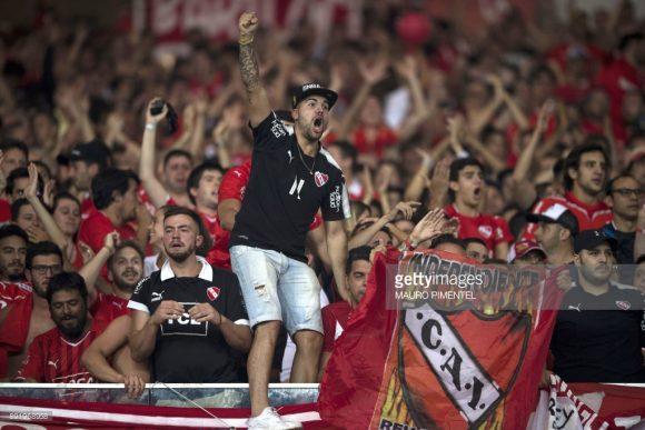Cerca de 4 mil hinchas do Independiente, se deslocaram até o Rio de Janeiro para apoiar o Rey de Copas.