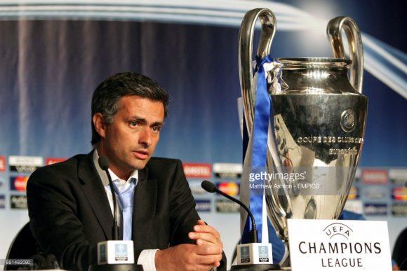 José Mourinho no Porto em 2003/04.