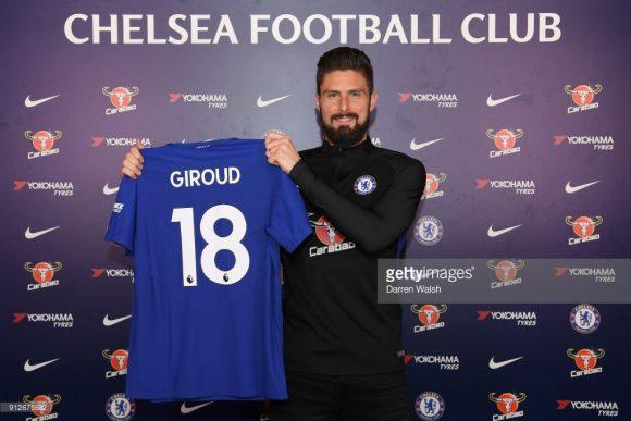 Olivier Giroud estreará com a camisa do Chelsea.