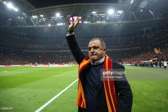 Em sua quarta passagem no comando técnico do Galatasaray, o experiente Fatih Terim acumula o total de 172 vitórias, 62 empates e 48 derrotas em 282 partidas à frente da equipe turca.