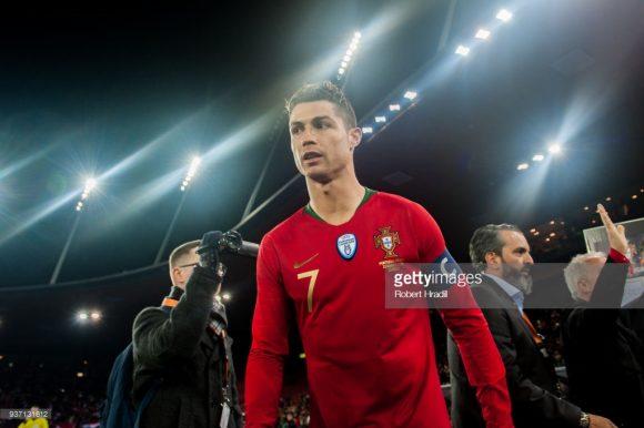 Com dois gols de Cristiano Ronaldo aos 47 e 49 minutos da segunda etapa, a seleção das Quinas derrotou o Egito por 2 a 1 na última sexta-feira. O craque português disputará sua quarta Copa do Mundo na carreira.