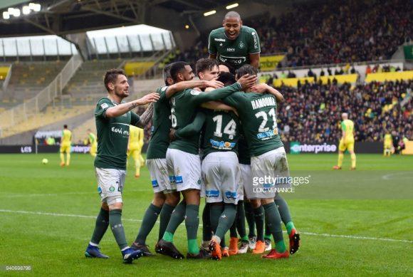 Na rodada passada da Ligue 1, o Saint-Étienne venceu o Nantes fora de casa por 3 a 0. Esta excelente vitória fará com que o treinador repita a escalação para o jogo frente o PSG.