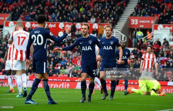 Com gols de Christian Eriksen e Harry Kane, o Tottenham derrotou o Stoke por 2 a 1 na rodada anterior da Premier League, aumentando sua série de invencibilidade na liga para 14 jogos.