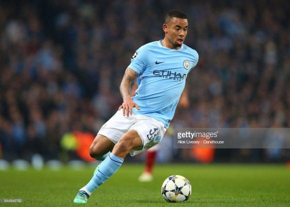 Com a ausência de Sergio Aguero, artilheiro dos Citizens na Premier League com 21 gols, caberá a Gabriel Jesus a missão de substituir o argentino.