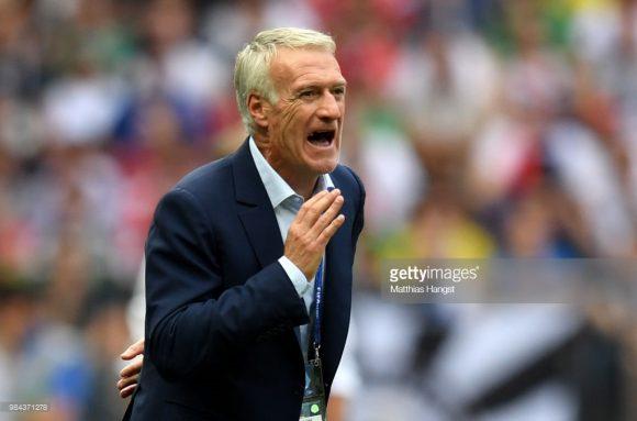 O treinador Didier Deschamps não consegue fazer a poderosa França jogar um futebol convincente. Por esta razão, ao que tudo indica, Zinedine Zidane será o novo comandante dos Les Bleus após a Copa do Mundo.