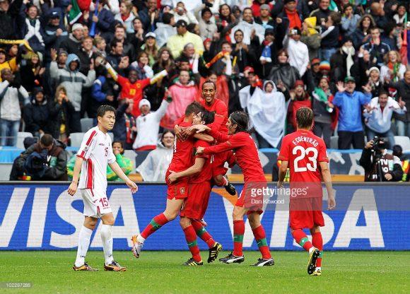 O treinador de Portugal na maior goleada aplicada pelos portugueses em Copas do Mundo, era justamente Carlos Queiroz. O jogo a qual me refiro, foi a vitória dos portugueses frente a Coréia do Norte no Mundial de 2010, por 7 a 0.