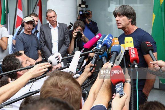 Apesar do fiasco na Copa da Rússia, a Federação Alemã de Futebol decidiu manter Joachim Low no comando da Mannschaft.