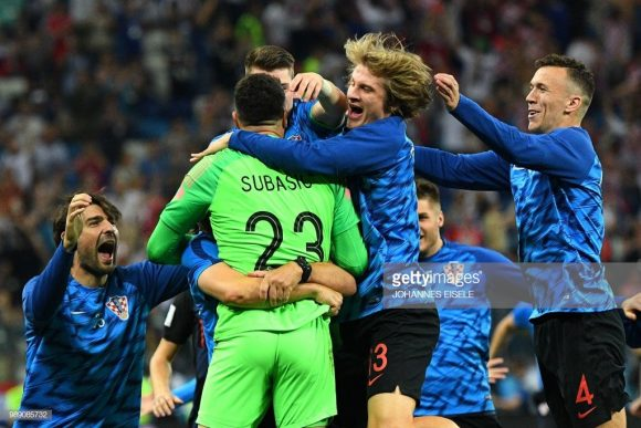 Enquanto Igor Akinfeev defendeu duas cobranças de pênaltis, o goleiro croata, Danijel Subasic, pegou três.
