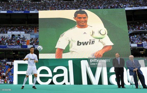 A apresentação de Cristiano Ronaldo no Real Madrid em 2009, levou cerca de 80 mil torcedores ao Santiago Bernabéu. E no Juventus Stadium, quantos bianconeros irão acompanhar a primeira aparição de CR7 com a camisa da Juve?