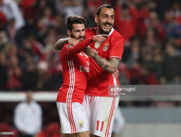 Há duas temporadas, o Benfica havia gasto 22 milhões de euros somente para contratar os jogadores Rafa e Mitroglou. No total, a equipe investiu 43,77 milhões de euros, enquanto nessa janela, foram disponibilizados pouco mais de 15 milhões de euros para trazer novos reforços.