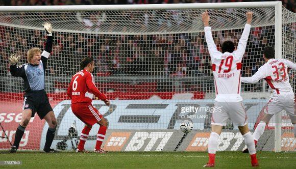 A última vitória do Stuttgart sobre o Bayern Munique na Mercedez-Benz Arena (3 x 1), aconteceu em 2007, época em que o goleiro dos bávaros era Oliver Kahn.