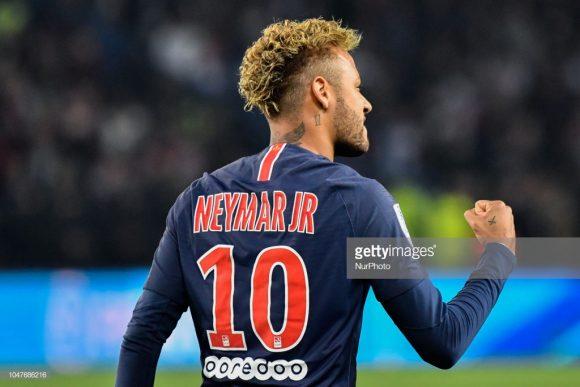O brasileiro Neymar é o artilheiro do PSG na Champions League com três gols.