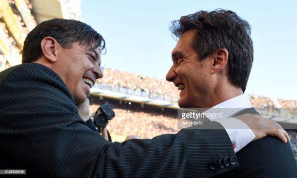 Guillermo Barros Schelotto não conquistou nenhuma vitória sobre Marcelo Gallardo em 2018. Para se ter uma ideia, o último triunfo do técnico do Boca diante do treinador do River, foi apenas em novembro de 2017, há um ano.