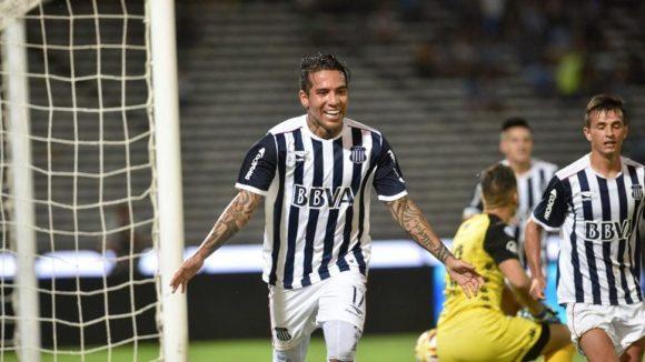 De olho nele: logo em sua estreia com a camisa do Talleres, o colombiano Daryo Moreno marcou dois gols.