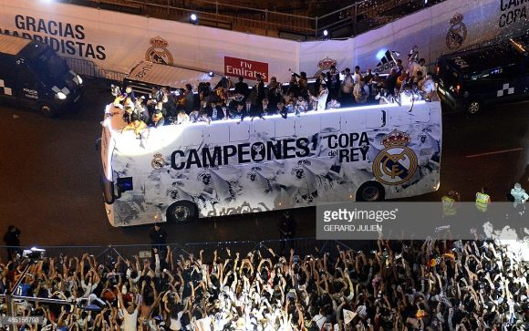 O último duelo entre Barcelona e Real Madrid pela Copa do Rei, foi em 2014, pela final da edição 2013/14 do torneio, e terminou com a vitória do time madrilenho por 2 a 1, em pleno Camp Nou.