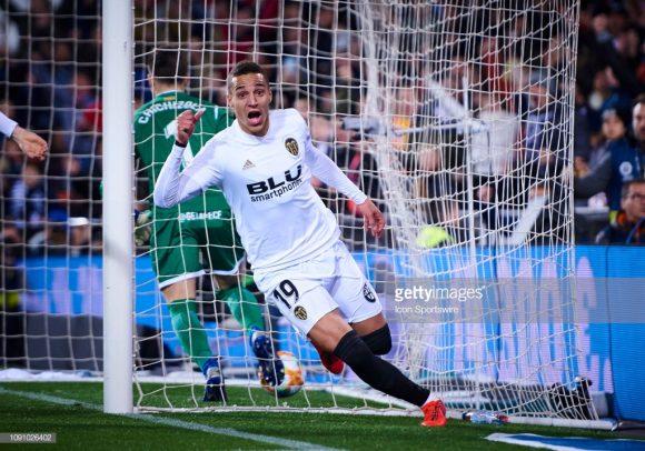 Graças ao hat-trick do atacante hispano-brasileiro, Rodrigo, o Valencia despachou o Getafe da Copa do Rei.