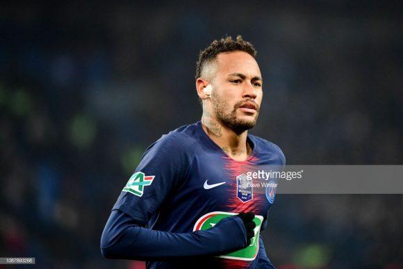 Artilheiro do PSG na Champions League com 5 gols, o brasileiro Neymar está fora das oitavas de final do torneio por conta de uma fratura no metatarso do pé direito.