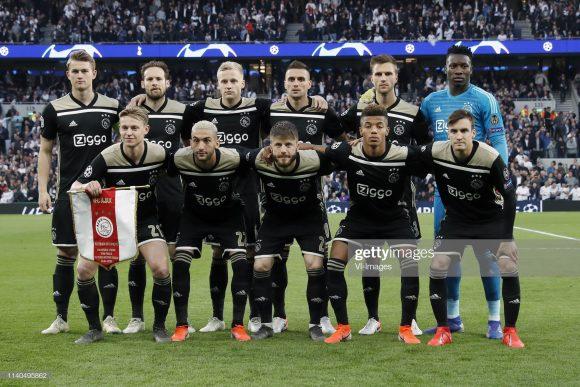 Dos 17 jogos disputados pelo Ajax na atual edição da Champions League, o time holandês perdeu apenas um, foi o duelo contra o Real Madrid, pelas oitavas de final do torneio (2 x 1).
