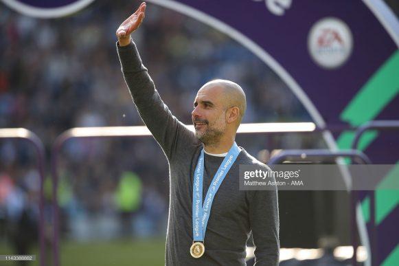 O treinador Pep Guardiola tornou-se o quarto treinador mais vitorioso na história, com apenas dez anos de carreira como técnico.