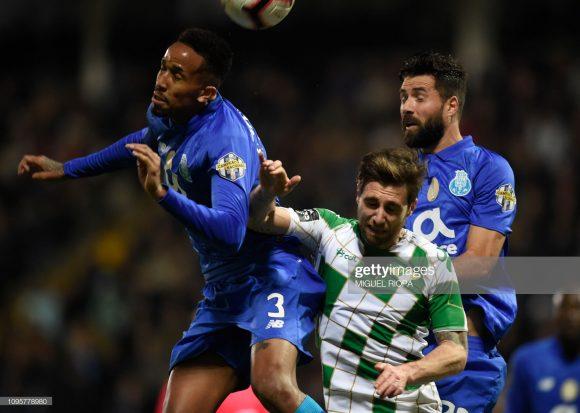 Os brasileiros Eder Militão, Pepe, Felipe e Alex Telles, compõe a melhor defesa da Primeira Liga com apenas 19 gols sofridos em 33 jogos, registrando uma incrível média de 0,58 gols por jogo.