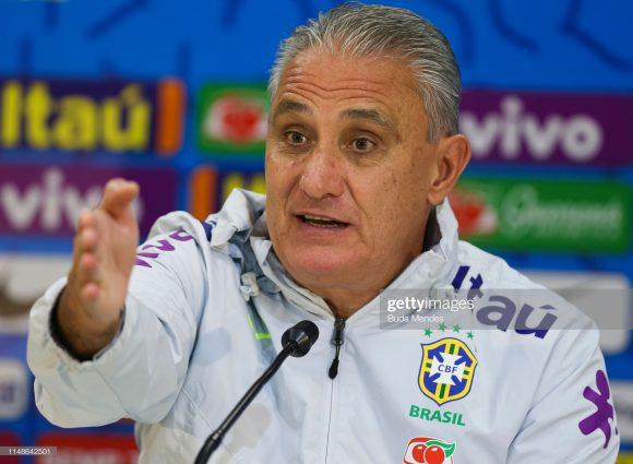 Mais chato do que assistir aos jogos da Seleção Brasileira, é ter de aguentar as entrevistas do chato, Tite.