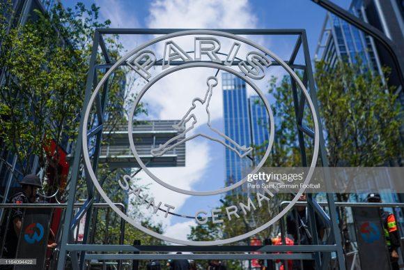 Contratar grandes astros do mundo da bola rendeu um astronômico crescimento do PSG como marca. Isso explica por que Nike pagará 80 milhões de euros (R$ 349 milhões) para patrocinar o time francês até 2032.