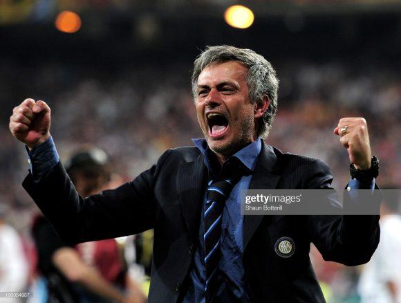 O último scudetto conquistado pela Inter, foi apenas em 2010, época em que os nerazzurris tinham José Mourinho no comando da equipe.
