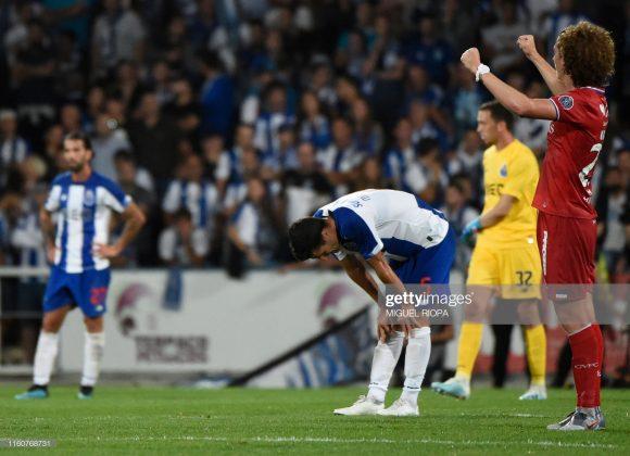 A temporada 2019/20 do Porto já começou sendo um desastre, pois além da eliminação da Champions League. os Dragões foram derrotados pela primeira vez nos últimos dezoito anos em uma partida de estreia pela liga nacional.