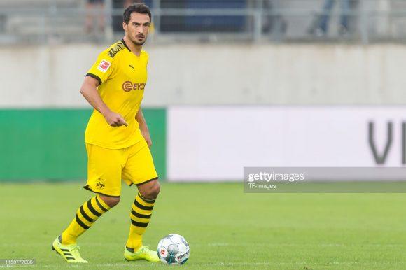 Depois de passar as últimas três temporadas defendendo as cores do Bayern, o zagueiro Mats Hummels voltou ao Borussia Dortmund, clube que ele já havia defendido entre os anos de 2008 a 2016.