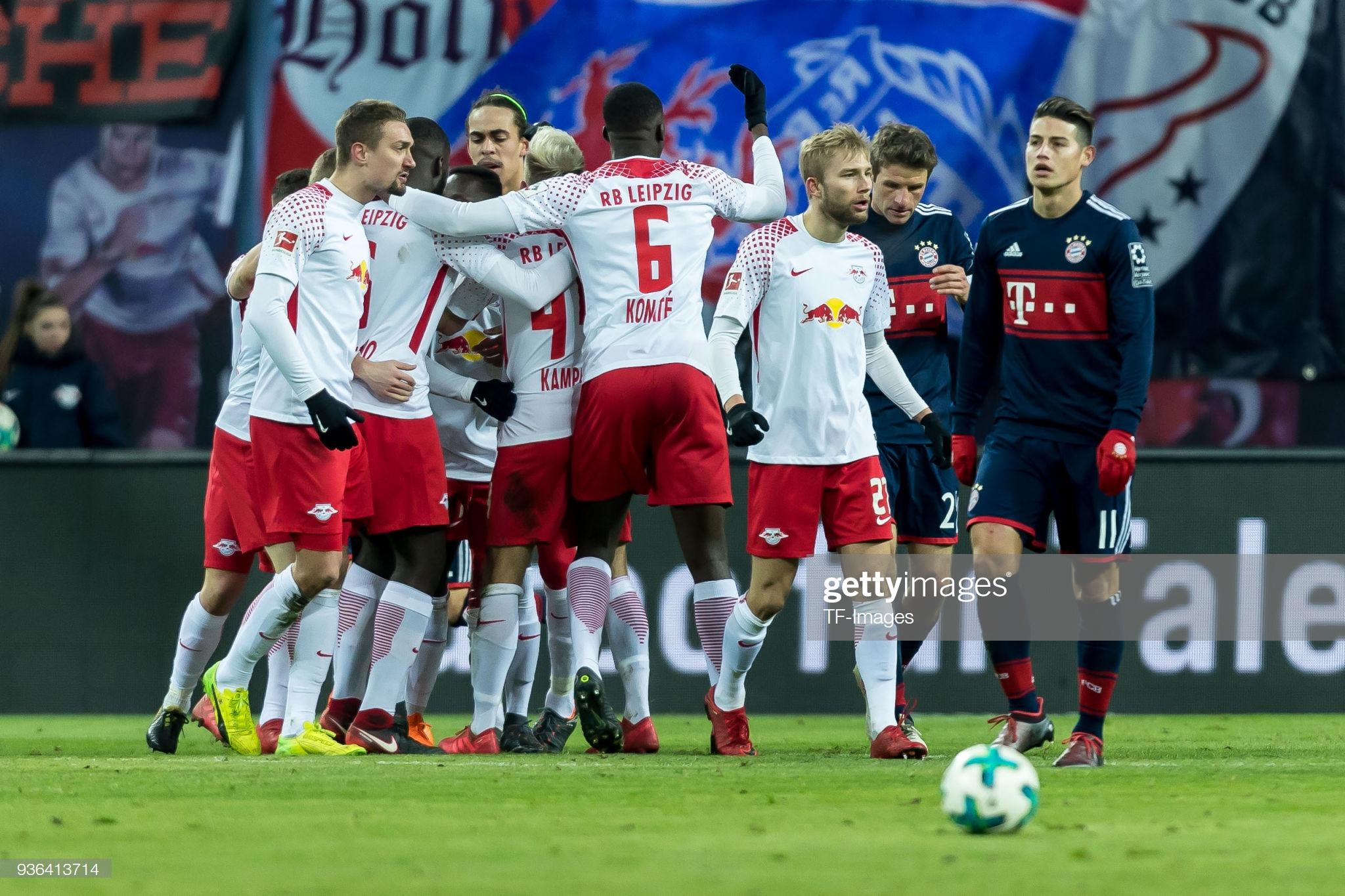 A única vitória do RB Leipzig sobre o Bayern até hoje, deu-se em março de 2018. Naquela oportunidade, os Touros venceram os bávaros por 2 a 1, na Red Bull Arena, pela 27ª rodada da Bundesliga 2017/18.