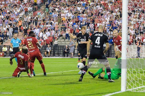 O gol de Calvin Stengs, marcado no último minuto do jogo de volta da 4ª fase da Europa League, garantiu ao AZ Alkmaar, a possibilidade de disputar a prorrogação da partida.