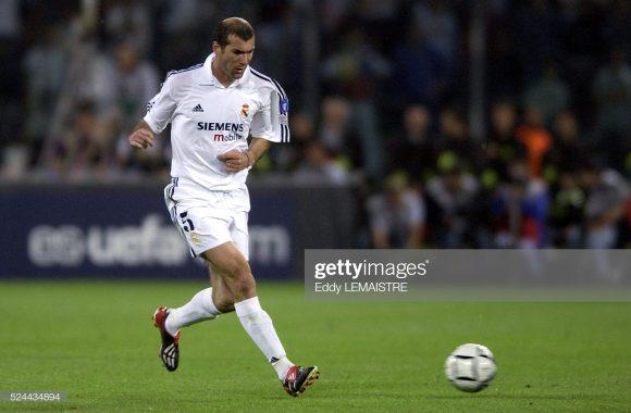 Zinedine Zidane enfrentou o PSG seis vezes até hoje, sendo duas como treinador (2 vitórias) e quatro como atleta profissional (2 V - 1 E - 1 D).