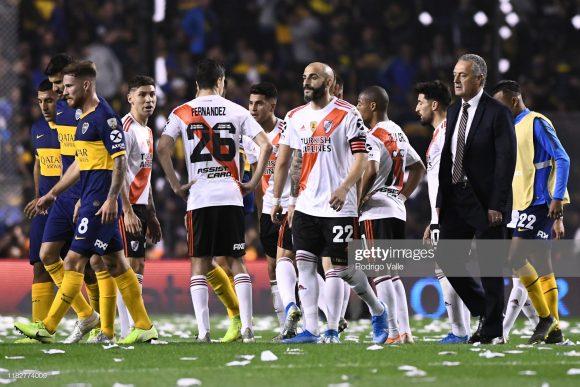 A eliminação do Boca Juniors diante de seu maior rival na Copa Libertadores, deixou a situação do técnico Gustavo Alfaro praticamente insustentável na Bambonera.
