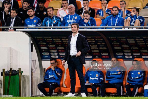 Albert Celades assumiu o comando técnico do Valencia no início da temporada, sucedendo Marcelino García Toral, que vinha realizando um excelente trabalho à frente do time.