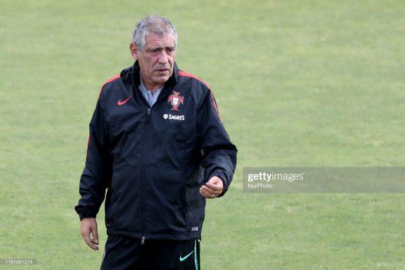 Devido aos títulos da Eurocopa 2016 e da Liga das Nações da UEFA 2018/19, o técnico Fernando Santos é apontado como o melhor treinador da história do selecionado português,