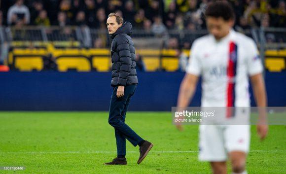Para os franceses, Thomas Tuchel foi o grande responsável pela derrota do PSG no Signal Iduna Park. Armar a equipe com três zagueiros e atuar sem um centro-avante, foram os maiores equívocos cometidos pelo treinador alemão.