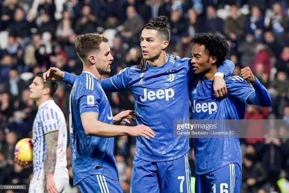 Com um jogo a menos em relação a Lazio, a Juventus é obrigada a vencer o Derby D'Italia para retomar a liderança do Calcio.