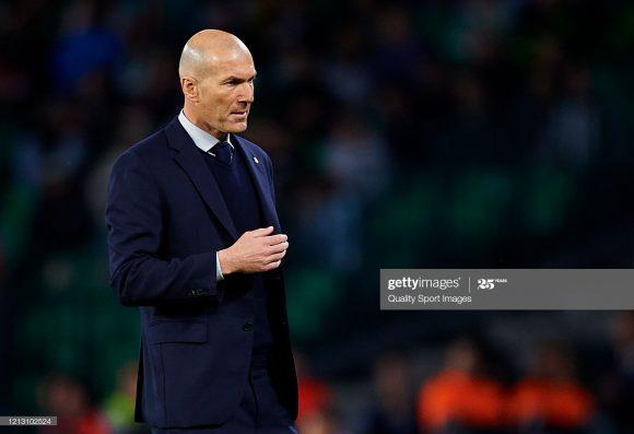 Zinedine Zidane deixou o Real Madrid obtendo 76,7% de aproveitamento em sua primeira passagem pelo clube. Já em sua segunda passagem, ele registra 64% de aproveitamento.