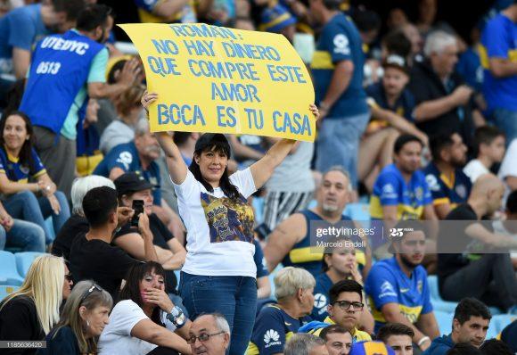 A idolatria dos torcedores xeneizes por Riquelme pode ser vista em qualquer partida do Boca Juniors na Bombonera.