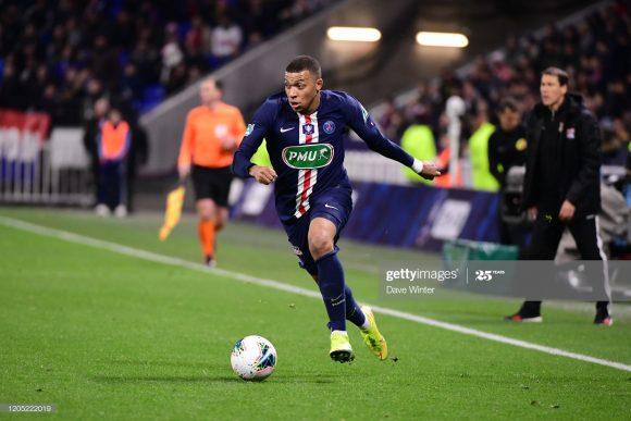 O atacante Kylian Mbappé foi artilheiro da Ligue 1 pela segunda temporada seguida. Todavia, na atual edição do torneio, ele dividiu o posto com Wyssam Ben Yedder, já que ambos marcaram 18 gols.