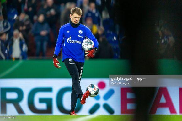 Por ter aceitado se transferir ao Bayern Munique - de graça - na próxima temporada, o goleiro Alexander Nubel ficará no banco de reservas do Schalke 04 até o final de seu contrato junto ao clube.