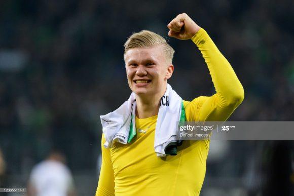 De olho nele: o atacante Erling Haaland marcou nove gols nos oito jogos em que defendeu as cores do Borussia Dortmund pela Bundesliga.
