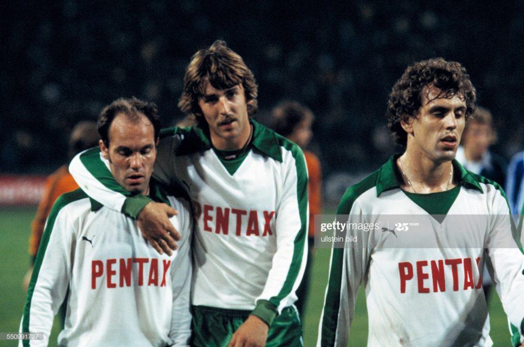 O único rebaixamento sofrido pelo Werder Bremen até hoje, deu-se na temporada 1979/80, quando o time terminou a Bundesliga na 17ª posição da tabela.