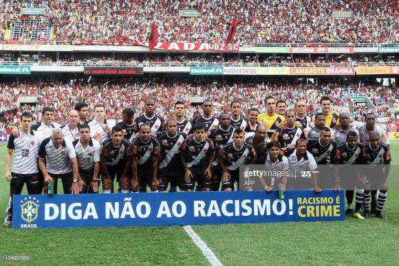 Apesar das diversas campanhas realizadas por clubes, o racismo no futebol brasileiro segue crescendo. Dos 59 atos praticados no ano passado, 16 ocorreram no Rio Grande do Sul.