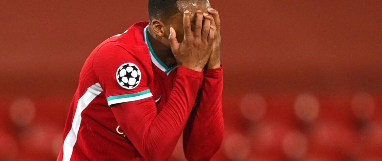 Só vaga no G-4 ameniza a péssima temporada do Liverpool